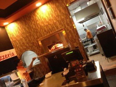 مطعم الفورنو تقاطع طريق الملك عبدالله و شارع خالد بن الوليد، #الرياض