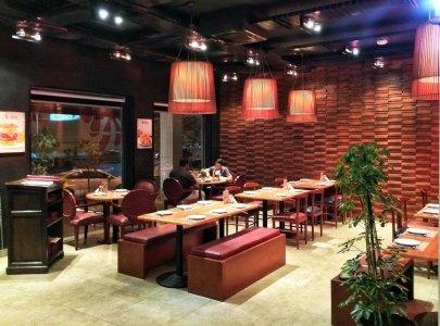 مطعم باربيكيو تشيكن العلية، شارع الثلاثين، #الرياض