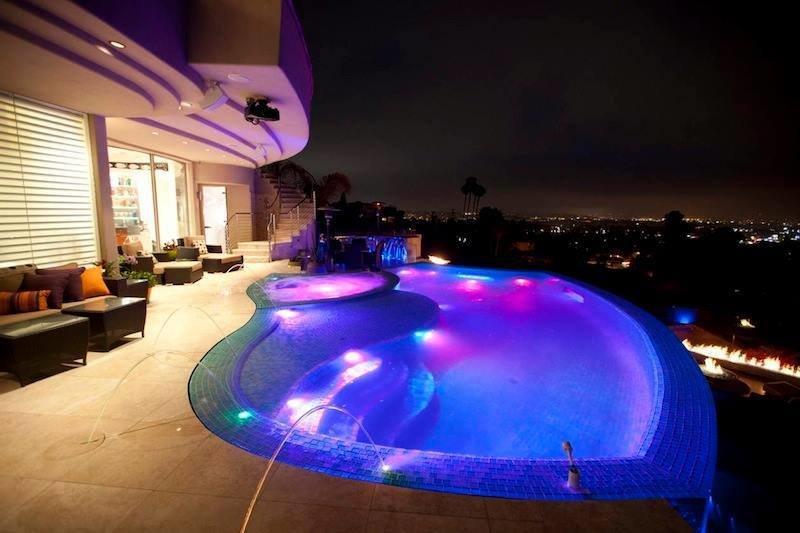 أفكار وتصاميم لإضاءة بركة السباحة #غرد_بصوره صوره 4