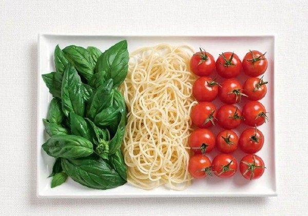 علم #إيطاليا بالريحان ومكرونة وطماطم #غرد_بصورة