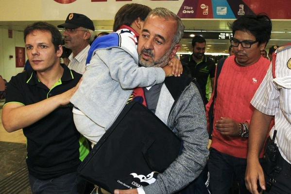 #ريال_مدريد دعا أسامة عبدالمحسن اللاجئ السوري الذي عرقلته صحفيّة مجرية وابنائه لحضور مباراة الفريق ضد غرناطة