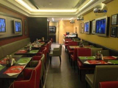 مطعم كريب أواي - شارع التحلية #الرياض