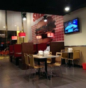 مطعم سماش برجر شارع الأمير سلطان و العلية تقاطع بجانب الفيصلية، #الرياض