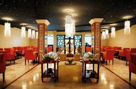 مطعم كراون جريل الطابق الأرضى - فندق كراون بلازا، تقاطع الكورنيش مع شارع المعادي، الحمراء، #جدة