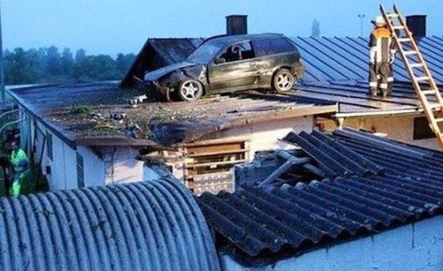 حوادث سيارات عجيبة #غرد_بصورة -11