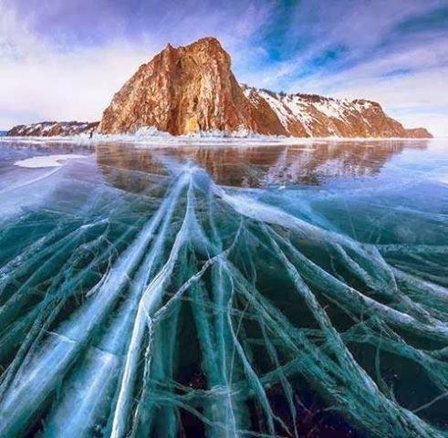 #البحيرة_الفيروزية_المتجمدة  فى #سيبيريا عمرها 25 مليون سنة وعمقها 1700 متر - صورة 3
