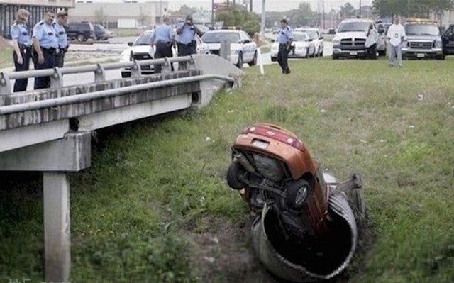 حوادث سيارات عجيبة #غرد_بصورة -9