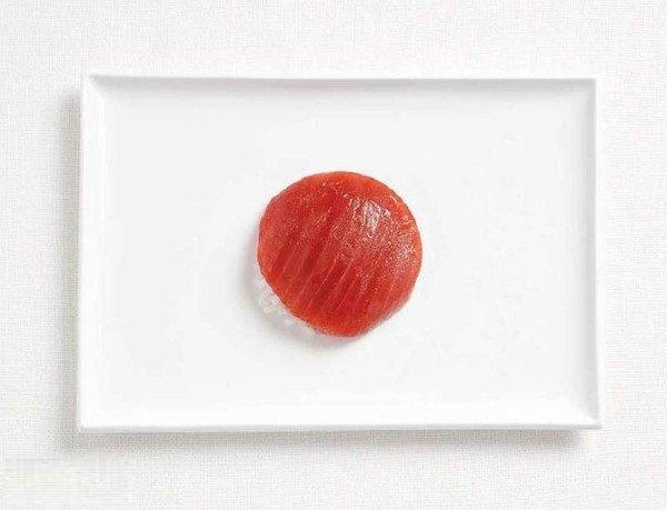 علم #اليابان بالسمك التونة وأرز #غرد_بصورة