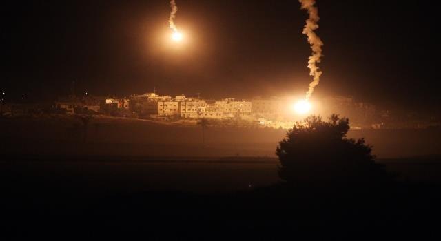 قصف مكثف للطائرات الإسرائيلية على #غزة #غزة_تحت_القصف - صورة ٣