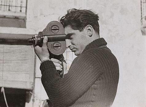 مصور الحروب المجري روبر كابا(1913-1954)، غطى 5 حروب، وتوفي في انفجار لغم أثناء تغطيته الحرب الهندوصينية
