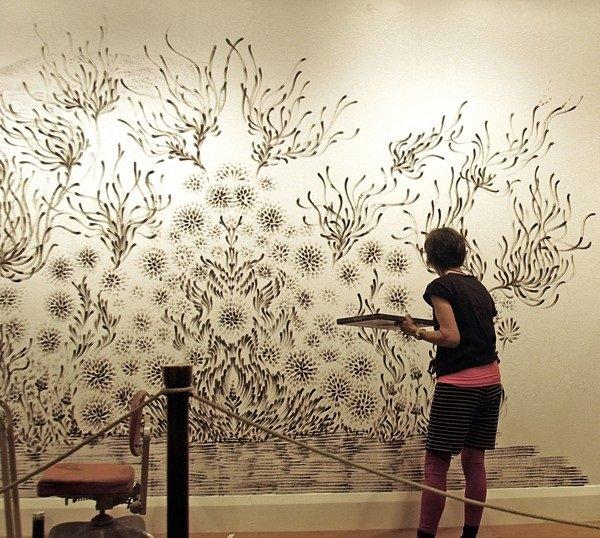 فنانة تقوم برسم لوحات مدهشة بإستخدام أصابعها فقط #غرد_بصورة -6