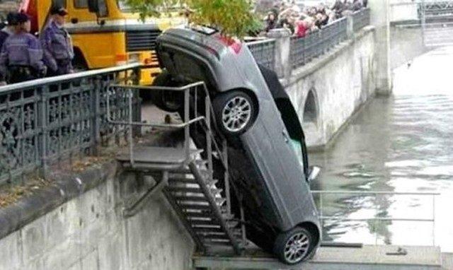 حوادث سيارات عجيبة #غرد_بصورة -4