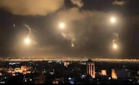 قصف مكثف للطائرات الإسرائيلية على #غزة #غزة_تحت_القصف - صورة ٤