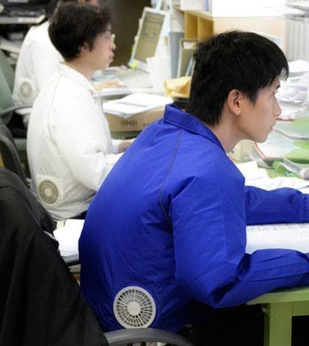 ملابس مكيّفة في اليابان لمواجهة الحرارة العالية #غرد_بصورة -صورة 2