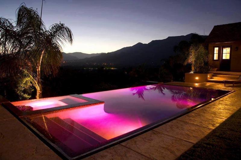 أفكار وتصاميم لإضاءة بركة السباحة #غرد_بصوره صوره 3