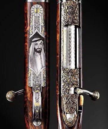 بندقية في معرض أبوظبي للفروسية تحمل صورة المغفور له بإذن الله #الشيخ_زايد