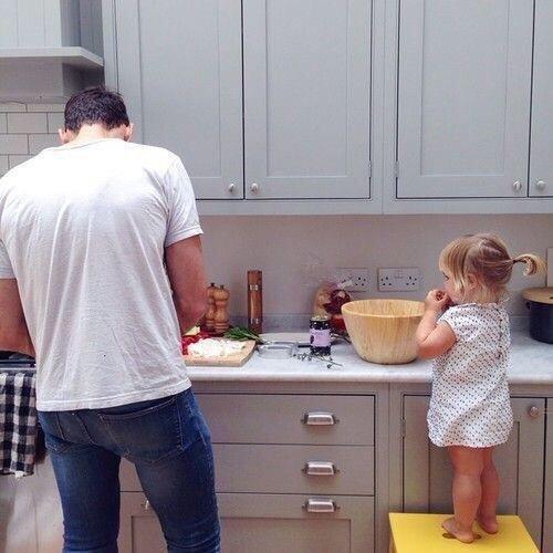 الأب الحنون يجعل أي زوج لابنته في المستقبل مقصرا دوما - صورة ٣