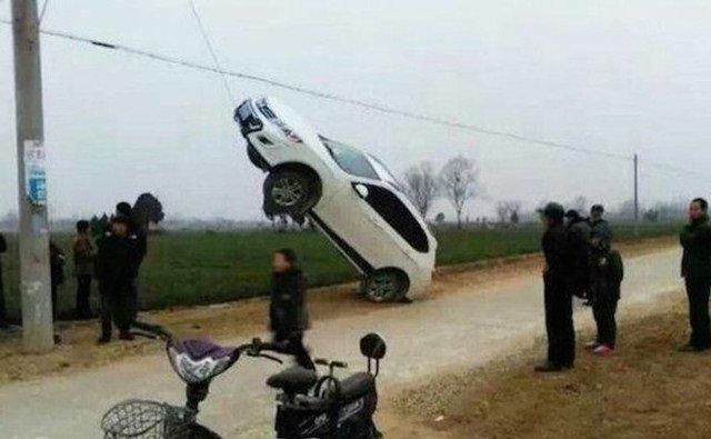 حوادث سيارات عجيبة #غرد_بصورة -22