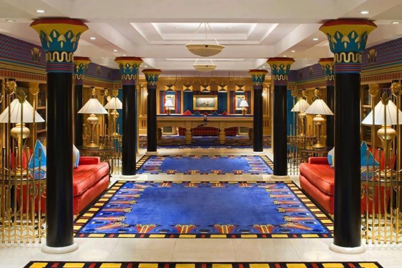 إحدى ردهات فندق #برج_العرب #دبي