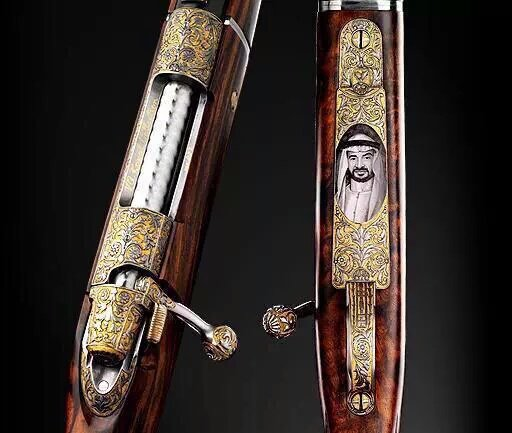 بندقية في معرض أبوظبي للفروسية تحمل صورة سمو الشيخ #محمد_بن_زايد