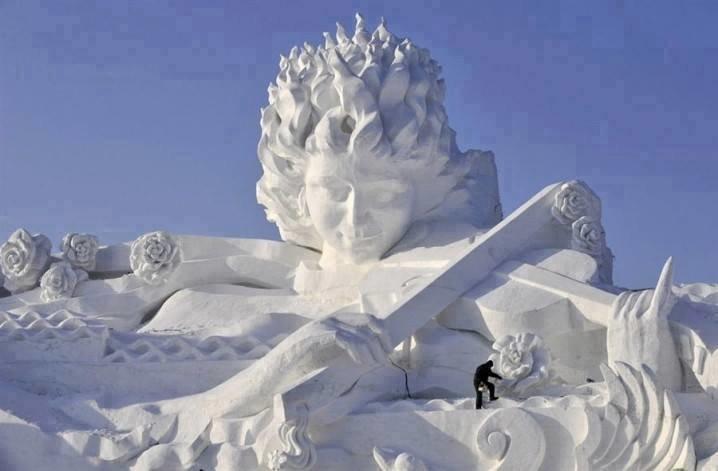 #تماثيل_الثلج بين الدقة وضخامة التصاميم #غرد_بصوره 1