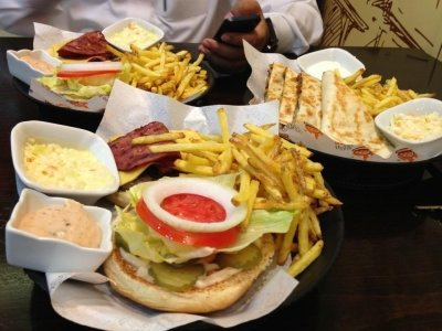 مطعم راف برجر مخرج ٢ الأمير تركي بن عبدالعزيز - النخيل, #الرياض