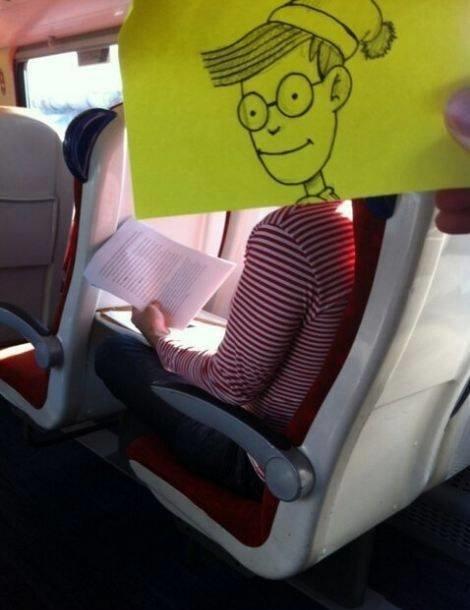 رسام يحول المسافرين إلى شخصيات كرتونية بشكل طريف #غرد_بصورة -9