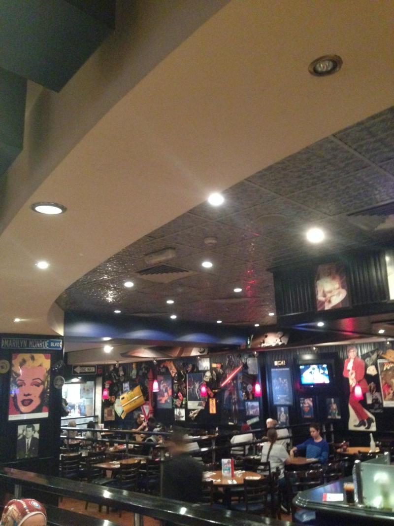 مطعم TG Fridays في سيتي مول في #عمان #الأردن - صورة ٢