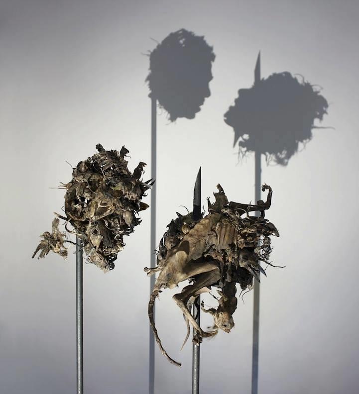الفن يحول القمامة إلى تحف فنية #غرد_بصورة -1