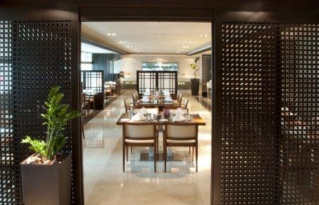 مطعم سورا فندق رامادا ، منطقة النادي السياحي، #أبوظبي