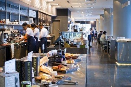 مطعم جونس ذي جروسر - جزيرة المارية برج ١ ٬ ساحة السوا, جزيرة المارية، #أبوظبي