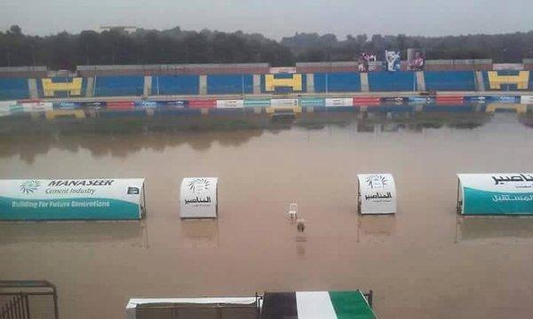 أمطار غزيرة في #عمان #الاردن ستاد عمان الدولي غارق في المياه #عمان_تغرق -25
