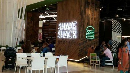 مطعم شيك شاك - ياس مول - الطابق الأول - جزيرة ياس #أبوظبي