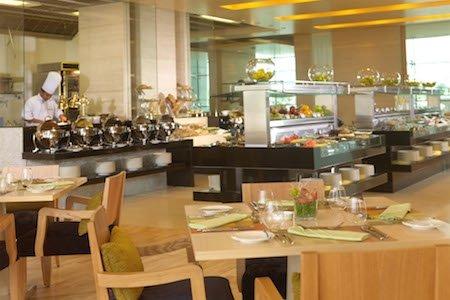 مطعم جينجر – بارك روتانا مطار أبو ظبي الدولي بارك روتانا - أبو ظبي ، المقتاء، #أبوظبي