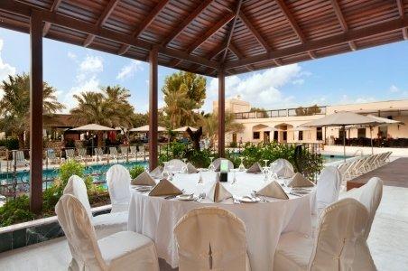 مطعم فلافورز هيلتون العين، حي الصاروج، العين، #أبوظبي