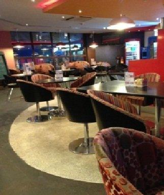 مطعم هيبي شيك - الطابق الأرضي - الاتحاد بلازا - مدينة خليفة أ #أبوظبي