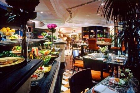 مطعم داون تاون شيراتون الخالدية، #أبوظبي
