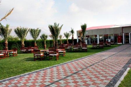 مطعم جلاس هاوس رستورانت الفيليج كلاستر 14 المستوى 1، #أبوظبي