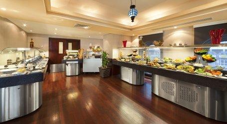 مطعم الايوأن فندق المنزل، بجوار مركز أستر الطبي، شارع الكتراأ الزاهية، #أبوظبي
