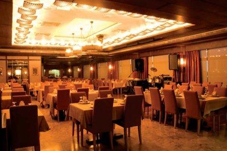 مطعم صنارة فنادق وان تو وان, شارع السلام, أل نهيان، #أبوظبي