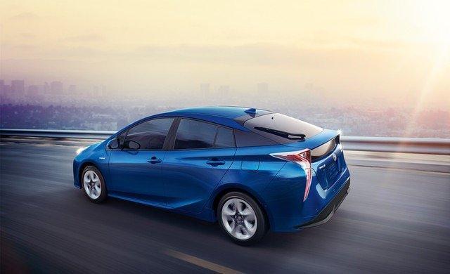 سيارة #تويوتا #بريوس #Toyota #Prius موديل ٢٠١٦ - #سيارات صورة ٧