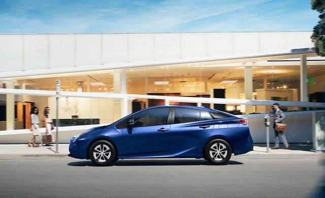 سيارة #تويوتا #بريوس #Toyota #Prius موديل ٢٠١٦ - #سيارات صورة ٣