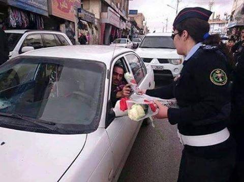 نشامى ونشميات السير يوزعون الورود على السائقين #الاردن