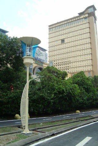 #ماليزيا تنشر مصابيح تعمل بالرياح والطاقة الشمسية للإنارة وقتل البعوض