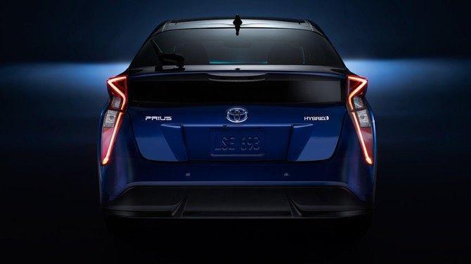 سيارة #تويوتا #بريوس #Toyota #Prius موديل ٢٠١٦ - #سيارات صورة ٨