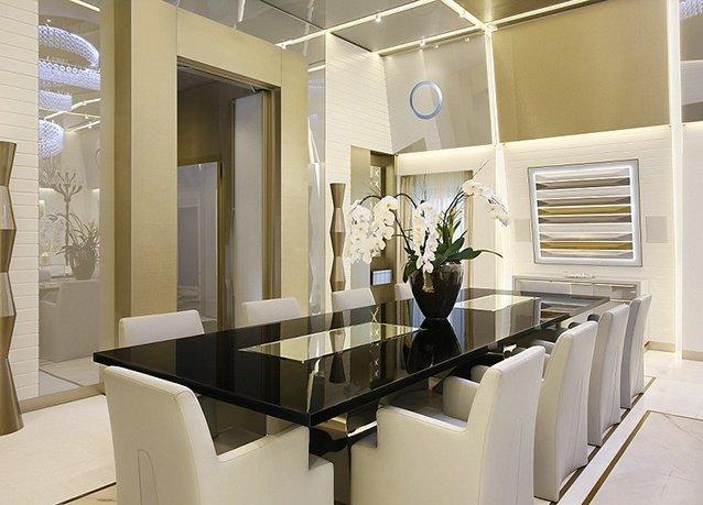 جناح كتارا الفاخر في فندق اكسلسيور غاليا في #ميلان #إيطاليا هو الأفخم في العالم بمساحة ١١ الف قدم وب١٥ الف يورو بالليلة - صورة ١٤
