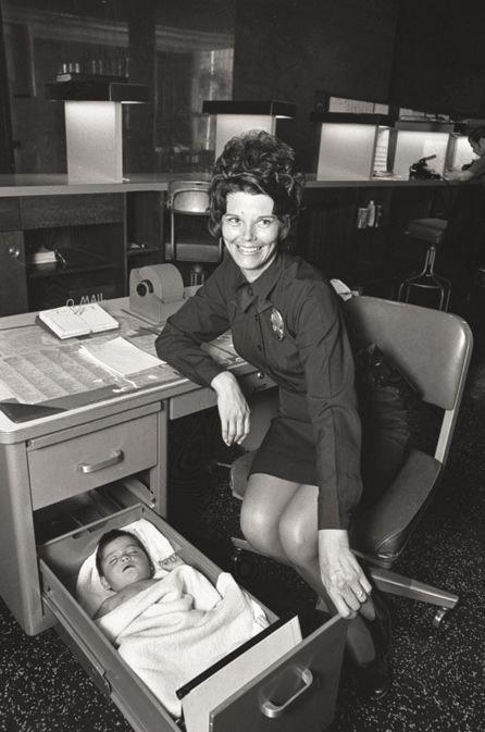 في ستينات القرن الماضي كانت حياة الأم العاملة أسهل #تاريخ