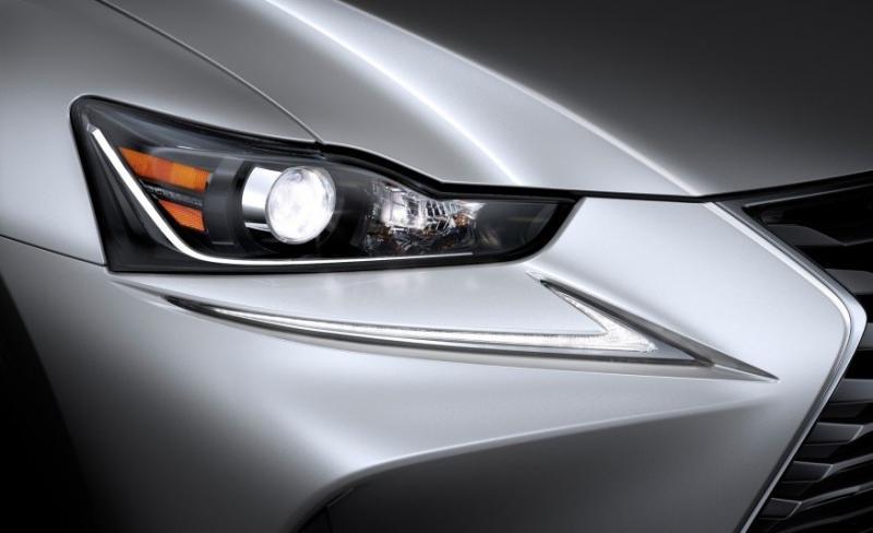 سيارة Lexus IS موديل ٢٠١٧ #سيارات - صورة ١٦