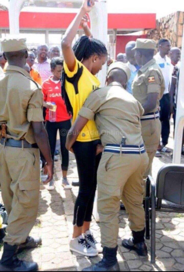 شرطي محولينه من قسم الآداب للحدود - صورة ٣