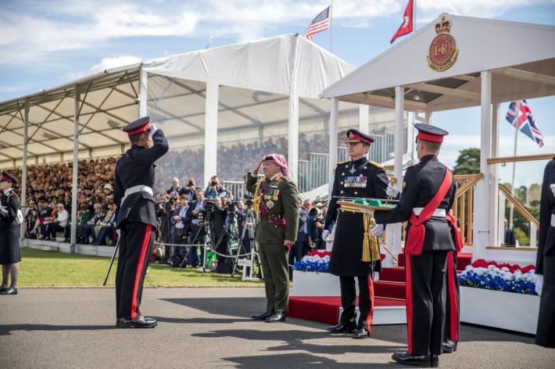 جلالة #الملك_عبدالله الثاني يرعى تخريج ولي العهد سمو الأمير حسين من أكاديمية #ساندهيرست #بريطانيا - صورة 4